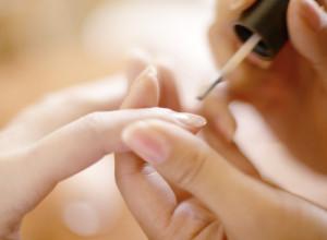 corso di ricostruzione unghie