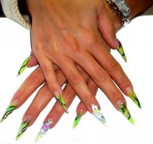 unghie mani stiletto - corso di ricostruzione unghie