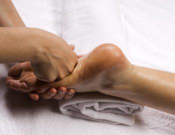 Corso massaggio Bioriflessologia plantare - Scuola estetica