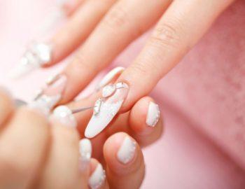 Corso estetista Basic nail Art - Scuola di estetica Napoli Sirio Aja