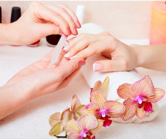 Corso manicure - Onicotecnica - Scuola estetica Sirio Aja