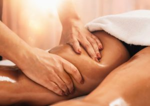 Corso massaggio emolinfatico - zona gambe - Scuola di estetica Napoli